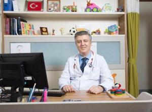doc-dr-adnan-ayvaz-kimdir